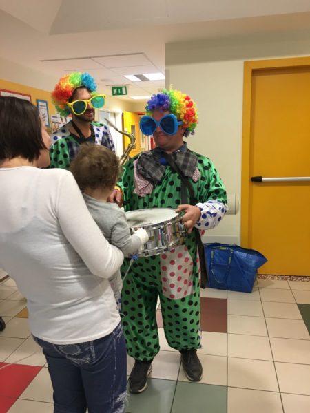 Associazione cesenate porta doni ai piccoli pazienti dell - Associazione venditori porta a porta ...